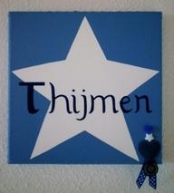 Schilderij voor Thijmen-ware grootte is 20 bij 20 cm.
