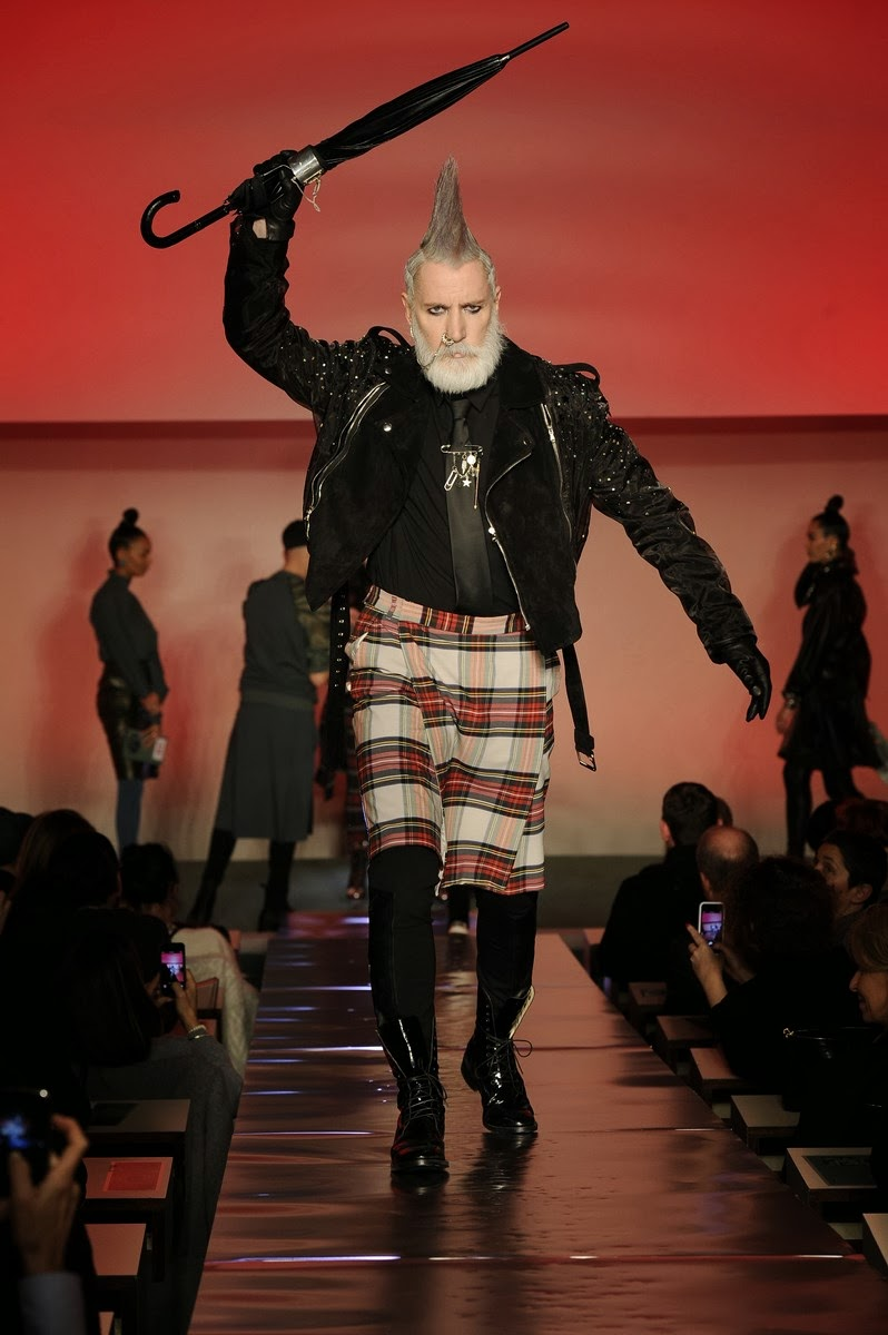 Jean-Paul-Gaultier, JPG; Jean-Paul-Gaultier-Fall-Winter, Jean-Paul-Gaultier-Automne-Hiver, Blanca-Li-Jean-Paul-Gaultier, Rihanna-Jean-Paul-Gaultier, fall-winter, automne-hiver, autumn-winter, fall-winter-womenswear, ready-to-wear, pret-a-porter, womens-clothes, dudessinauxpodiums, du-dessin-aux-podiums, jean-paul-gaultier-kilt, jean-paul-gaultier-mariniere, jean-paul-gaultier-parfum, latest-fashions, dress-fashion, accessoire-mode, fashion-paris, defile-de-mode, mode-a-petit-prix, fashionable-clothes, fashion-blog, blog-mode