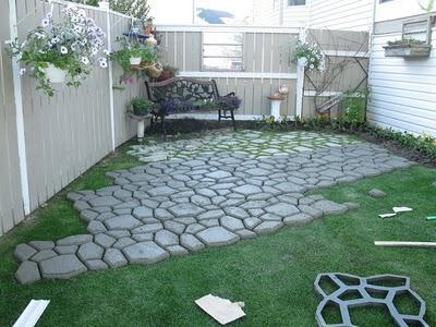 Decoraciones y mas jardines decorados con piedra en el 2013 for Jardines pequenos decorados con piedras