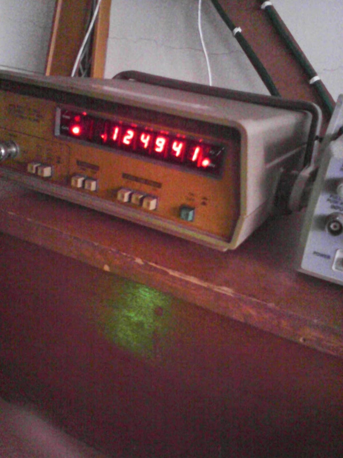 Pembangkit frekuensi atau function generator up to mhz