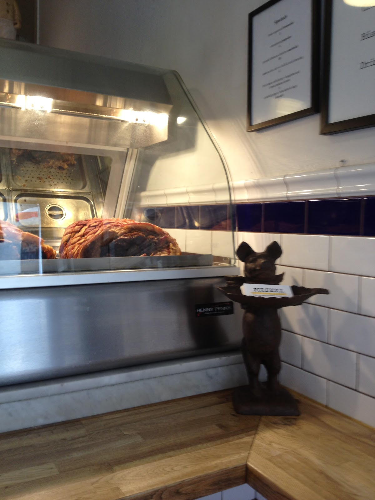 O porco temperado da Kim cria carne