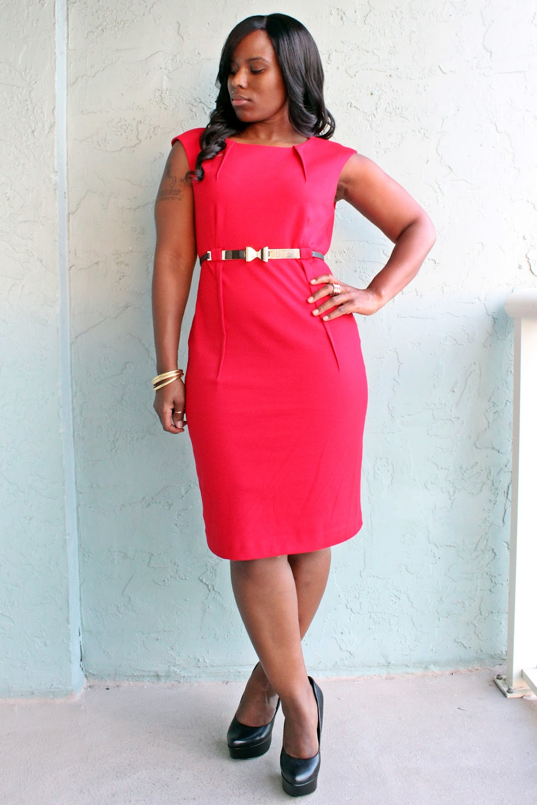 Lady In Red - Curves and Confidence