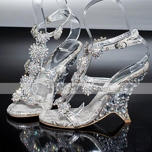 Now as we all know choosing the perfect dream bridal shoe can be a nightmare