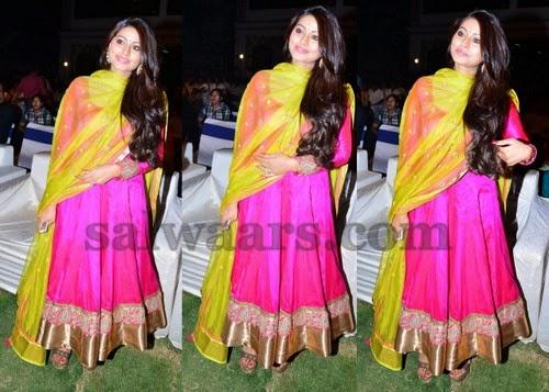 Sneha Prasanna Latest Pink Salwar