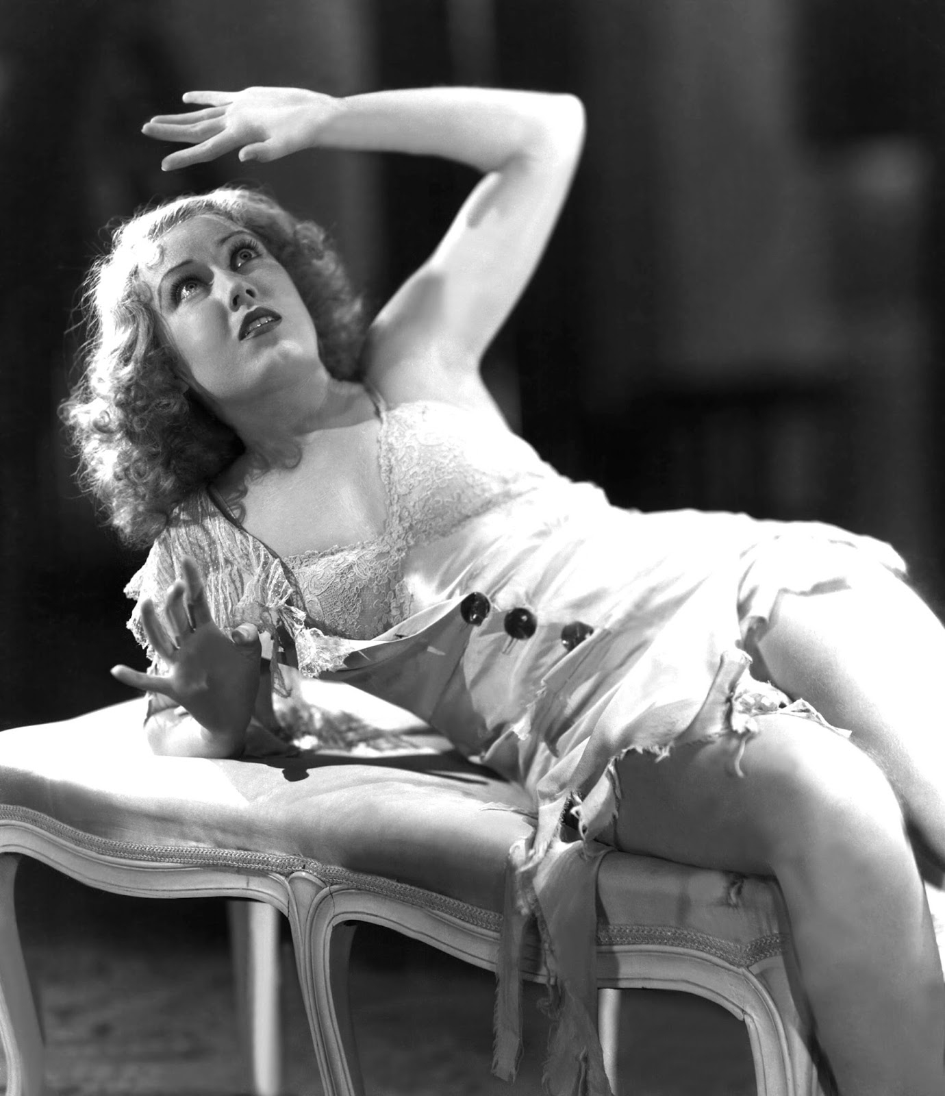 A Slice of Cheesecake: Lots more of Fay Wray in KING KONG ...