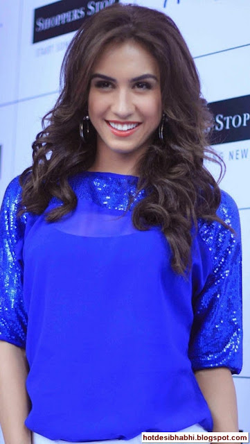 Lauren Gottlieb Hot Pics