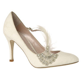 And kisses wedding stationery gorgeous vintage style wedding shoes