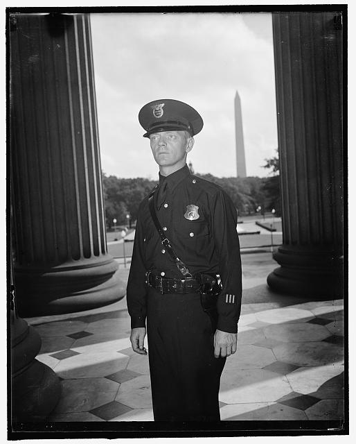 8/26/37: New uniform for U.S. Treasury guards. Washington, D.C.