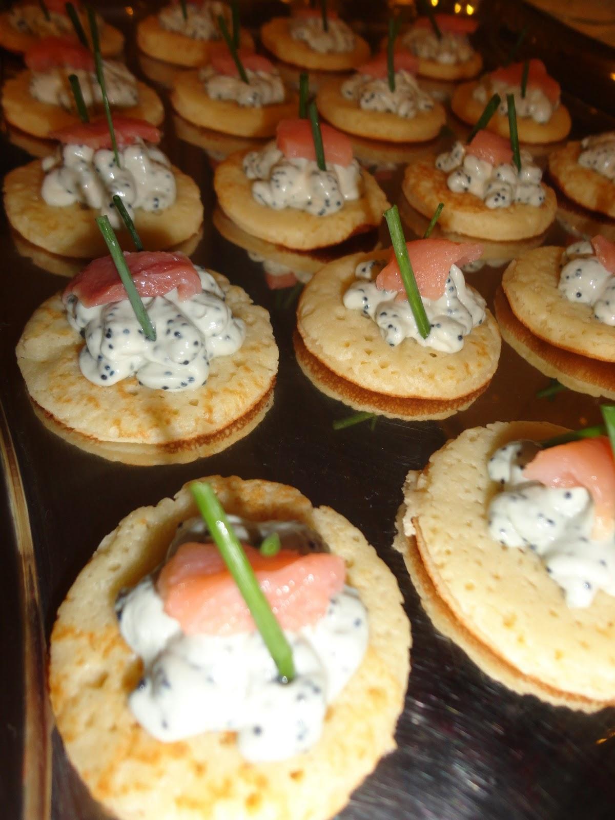 Raquel amaral por es gourmet canap de caviar e salm o for Canape de caviar