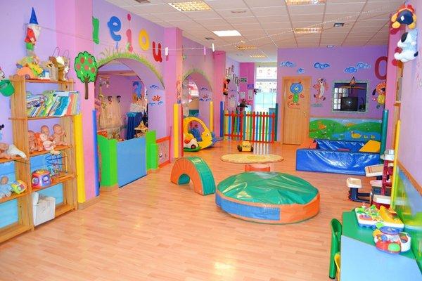 24 ideas para tu estancia infantil for Puertas decoradas para guarderia