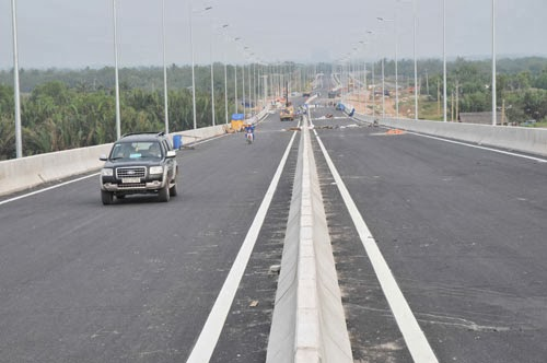 Thông xe đoạn đường cao tốc TP.HCM – Long Thành: Vì sao chưa cho xe trên 10 tấn trở lên lưu thông
