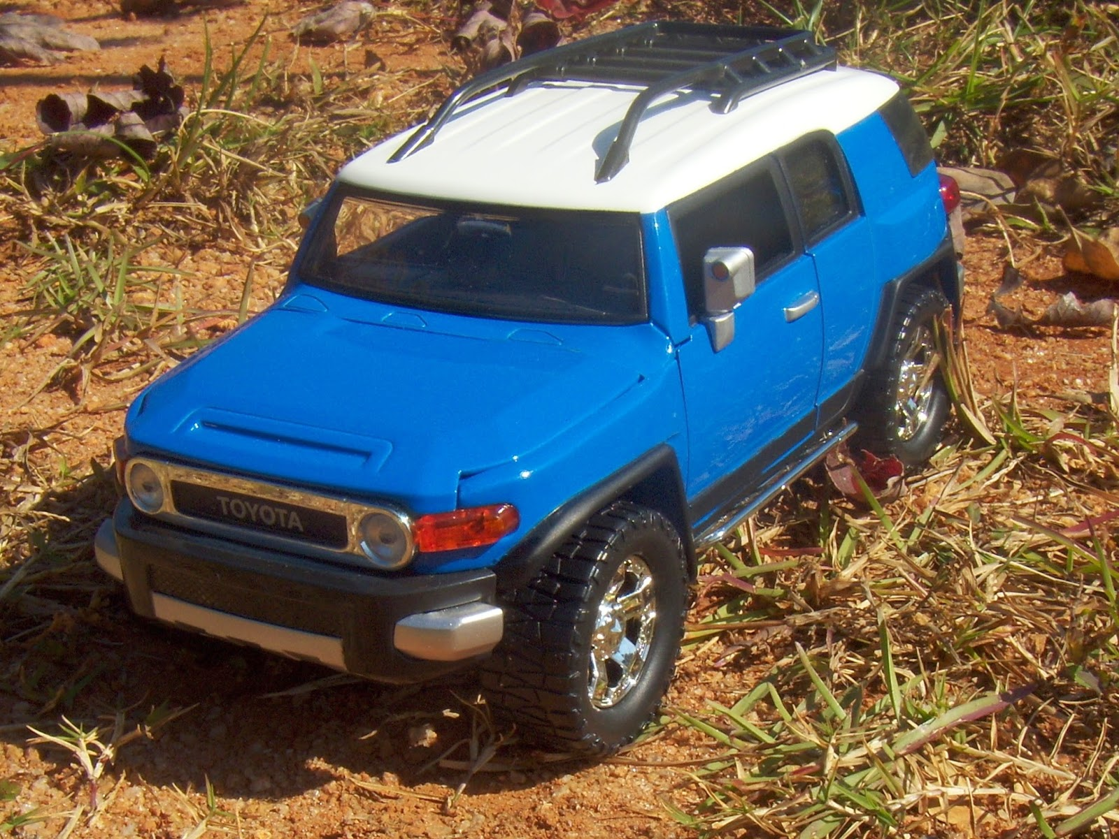 Jada Toys 124 And Welly 143 Toyota Fj Cruiser Two Lane Desktop 1973 Land Front Differ