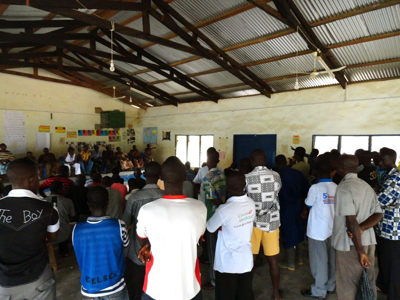 overcrowded classrooms essay The classroom will be setup into different areas: language, math, science, sensorial and practical life there will be a few large and small tables, several rugs in a stand.