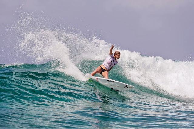 0 Roxy Pro Gold Coast 2015 Lakey Peterson Foto WSL Kelly Cestari