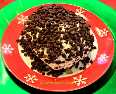 "alt=""chocolate chip cheeseball recipe"""