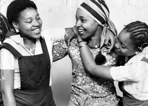 Winnie mandela parents