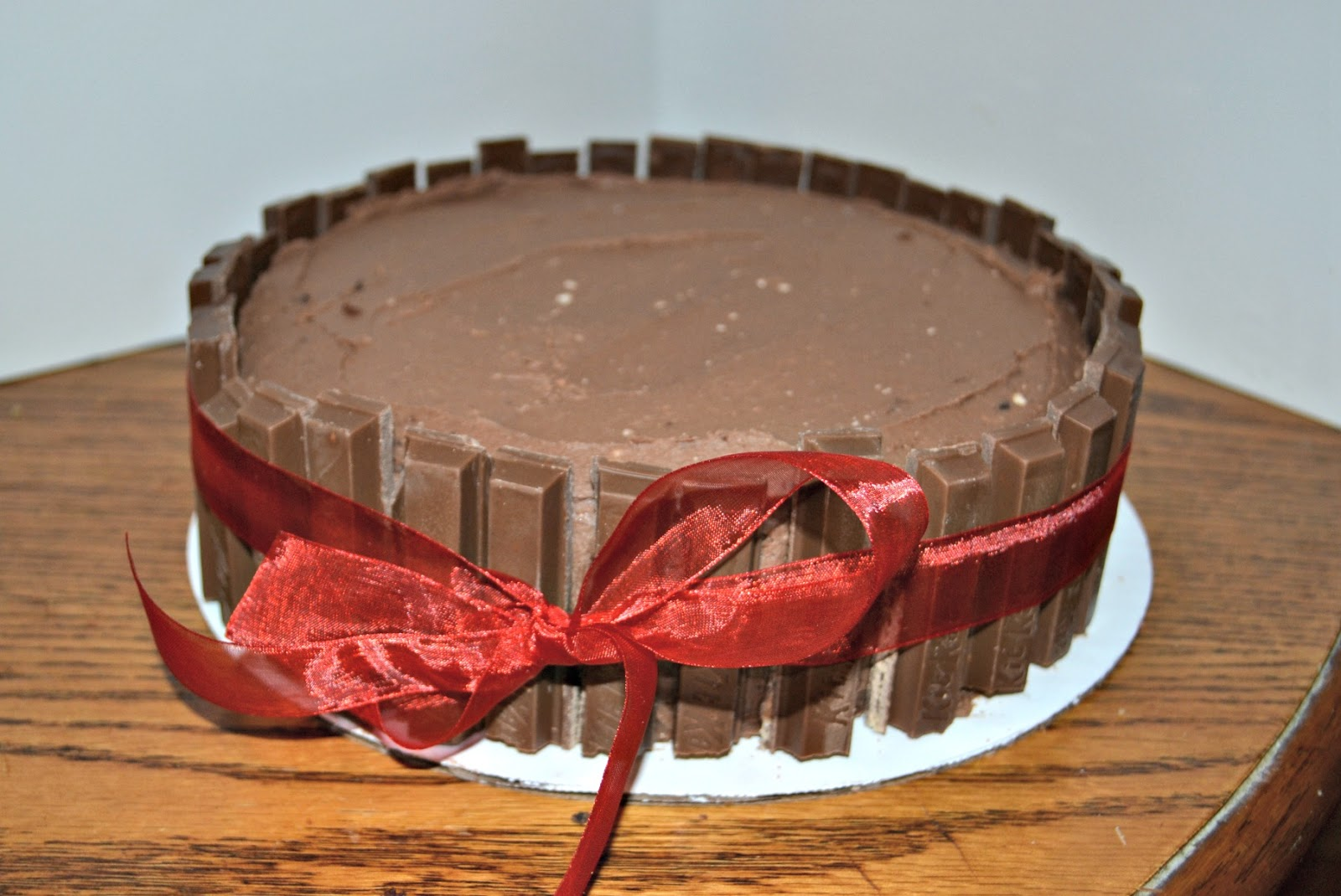 Cake Design Kit Kat : bournville chocolate: Triple Chocolate Cake with Kit Kat s