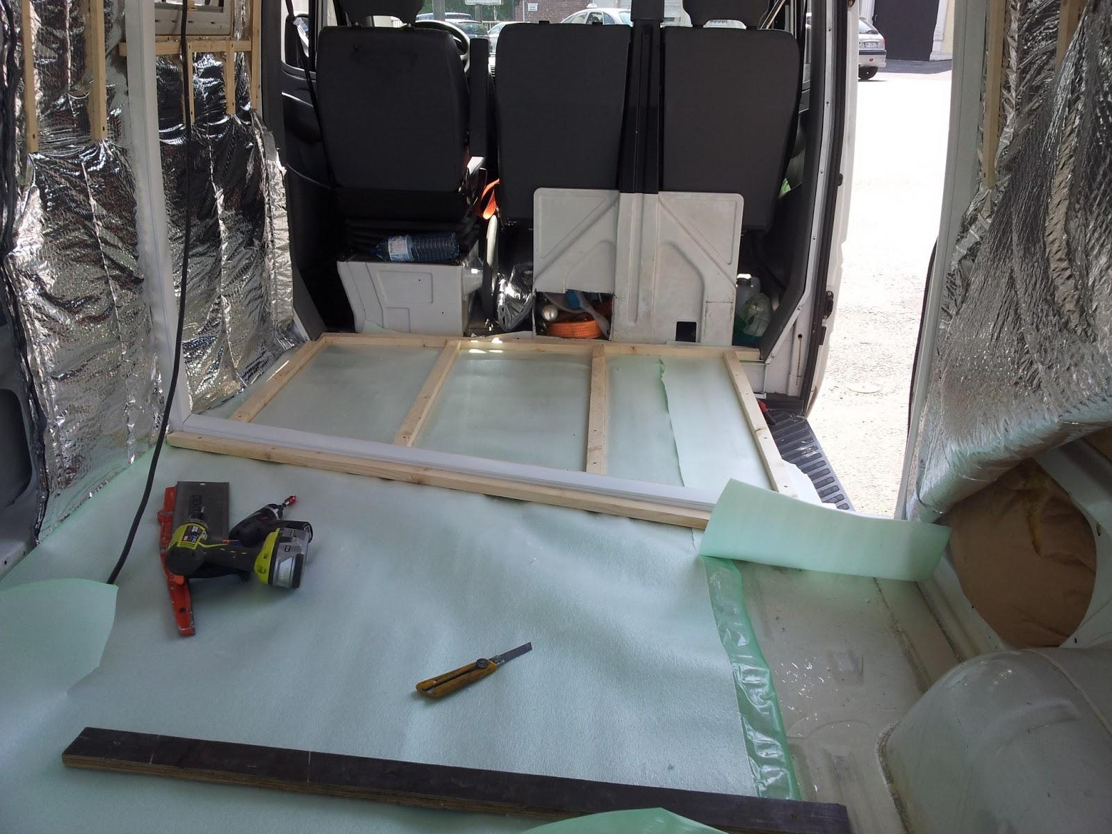 am nagement d 39 un sprinter en camping car isolation du sol. Black Bedroom Furniture Sets. Home Design Ideas