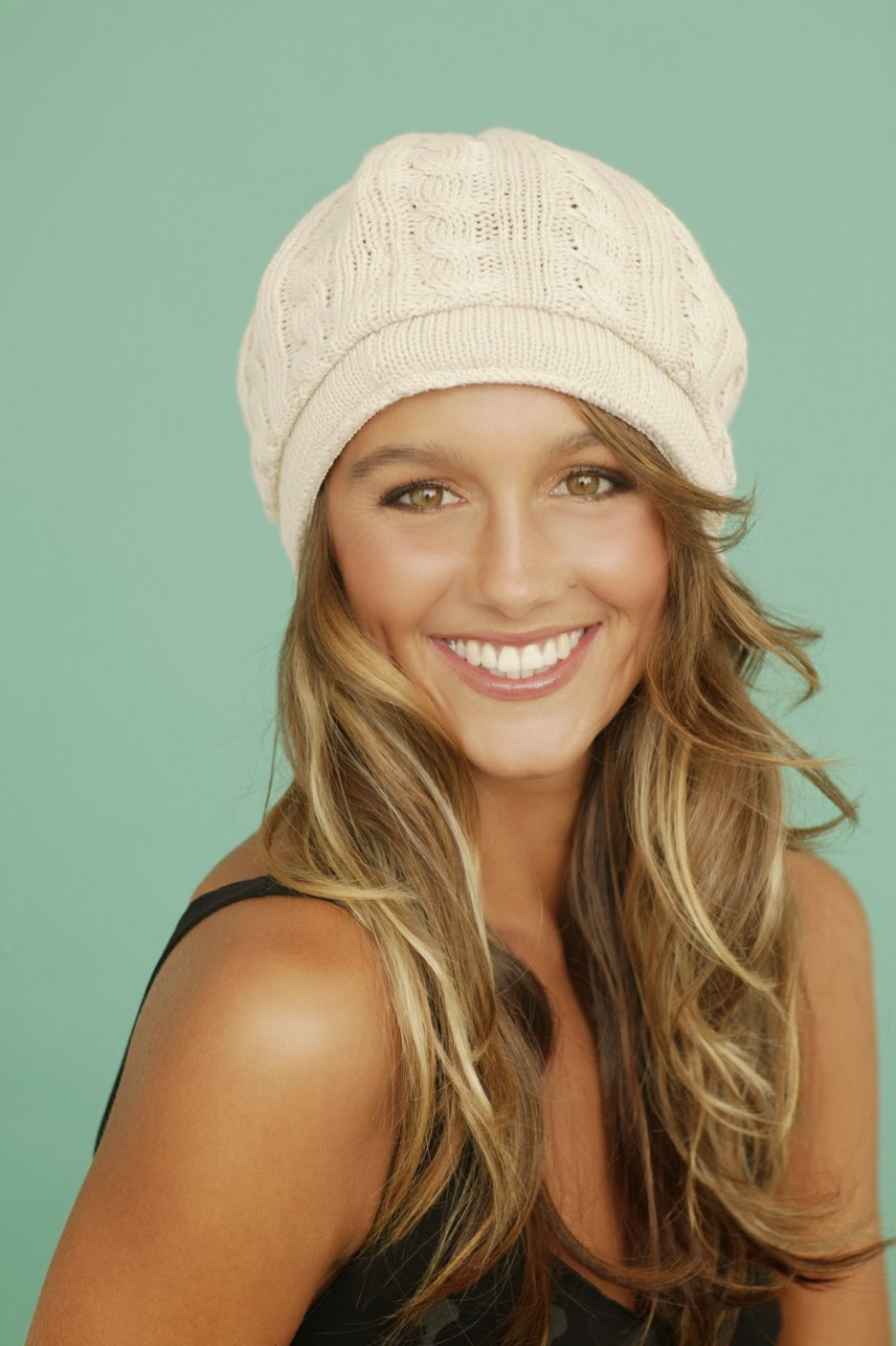Displaying 16> Images For - Sharni Vinson Youre Next...