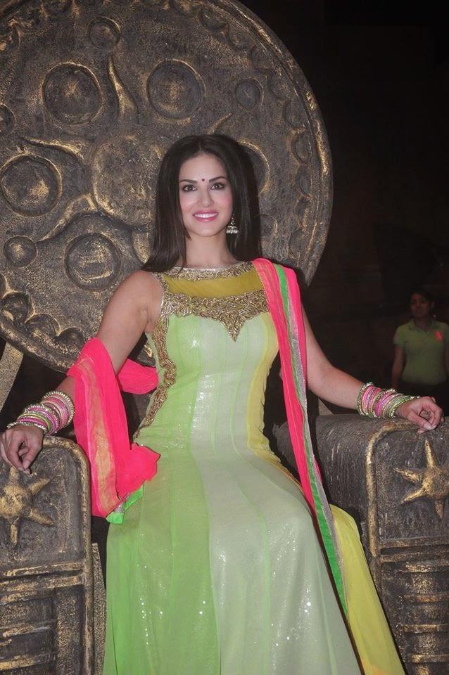 Sunny Leone on the set of Ek Paheli Leela