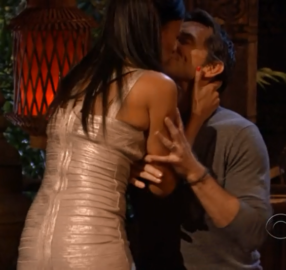Sarah Dawson Kissing Jeff Probst