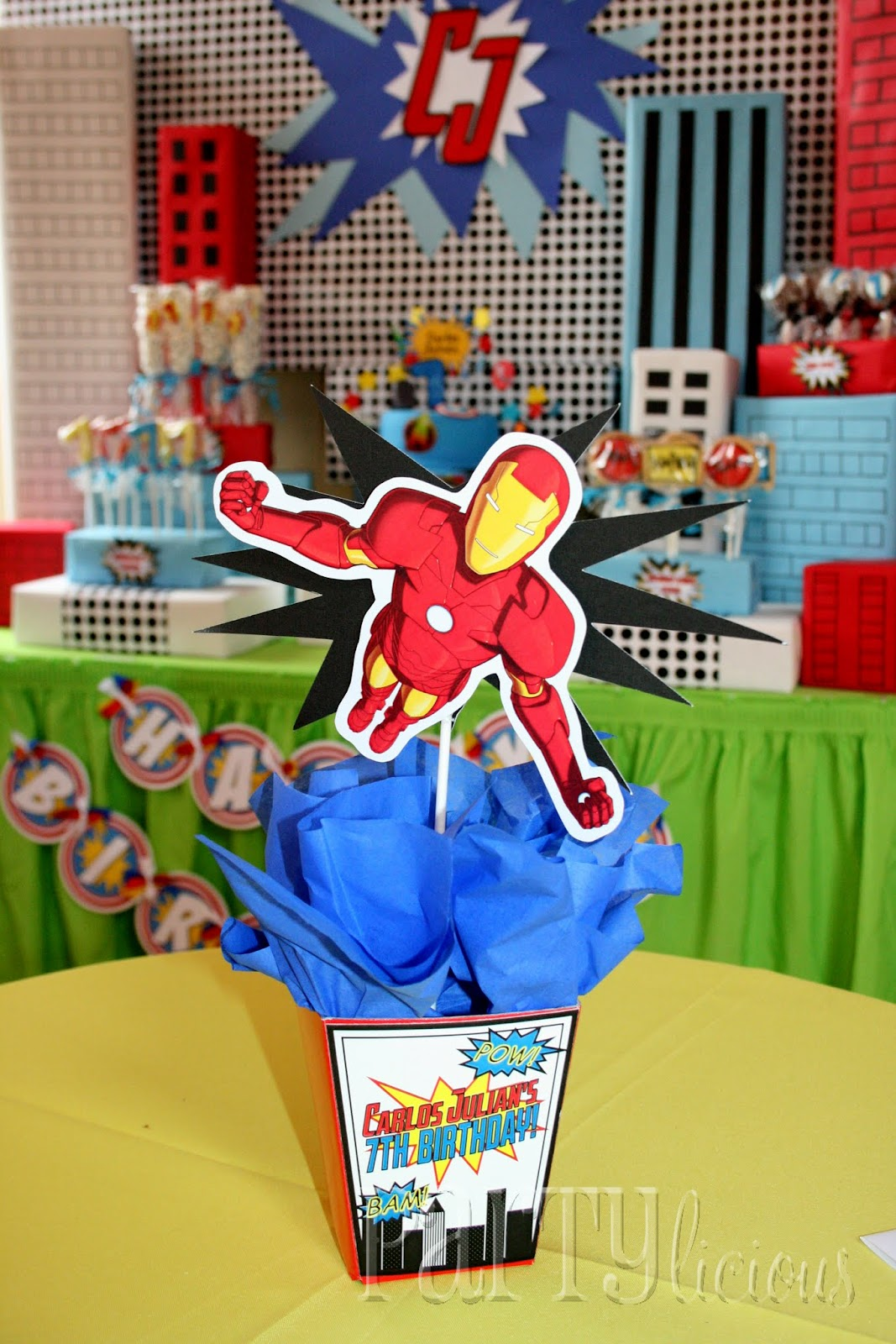 Partylicious birthday marvelous superhero party feature for Images of decoration pieces