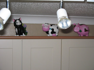 cat cow and pig gnome