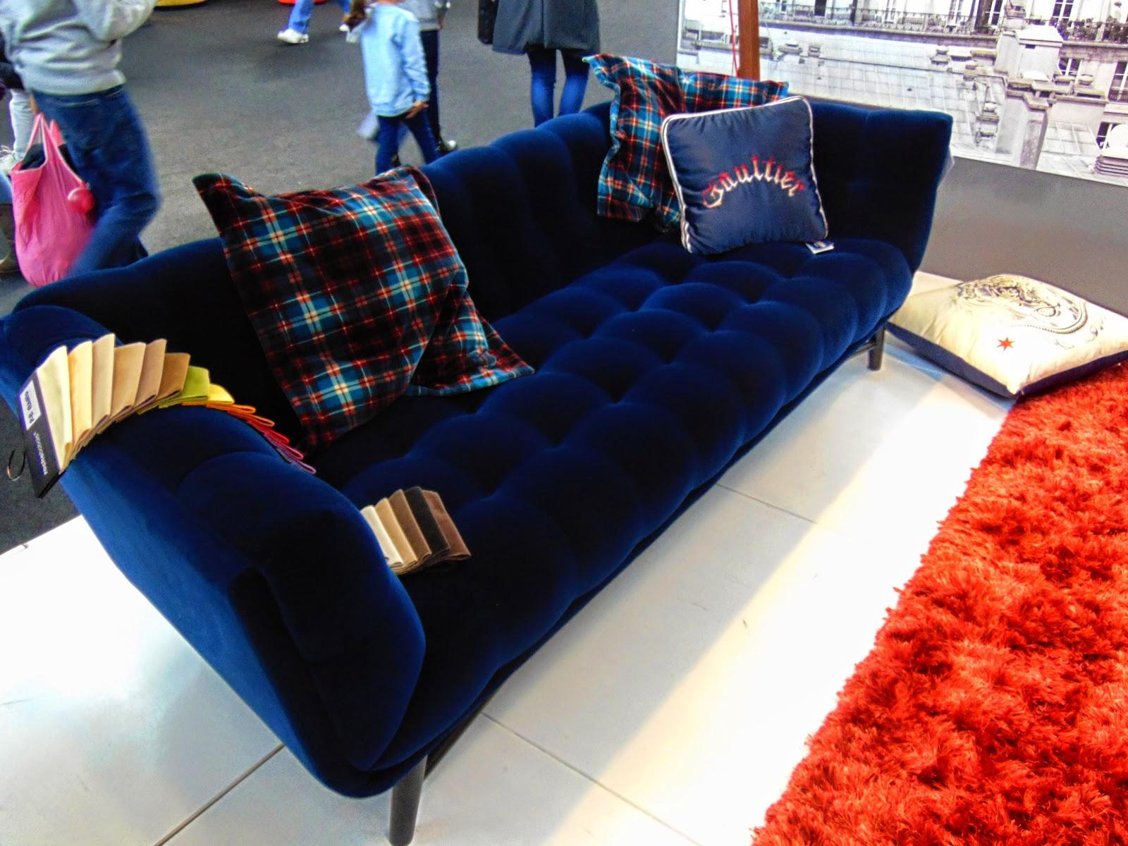 All colors of design expocasa torino 2015 2 - Divano velluto blu ...
