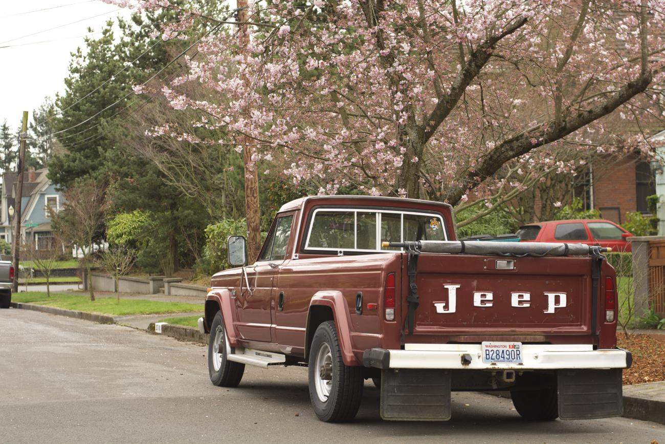 old parked cars 1986 jeep j20. Black Bedroom Furniture Sets. Home Design Ideas