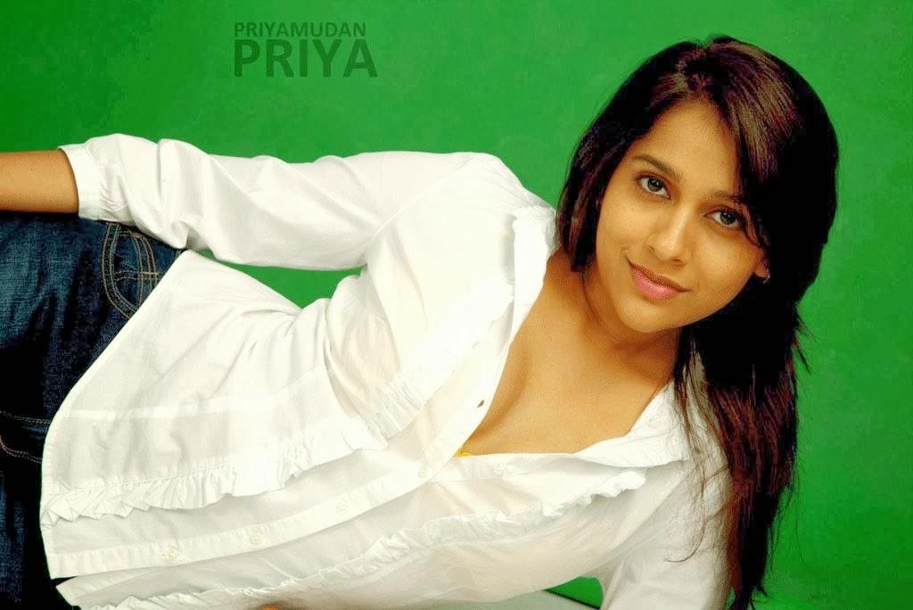 Jabardast Anchor Rashmi Gautham Photoshoot