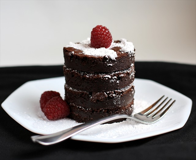 Chocolate Truffle Cake Images : Karina s Chocolate Truffle Cake Recipe   Dishmaps