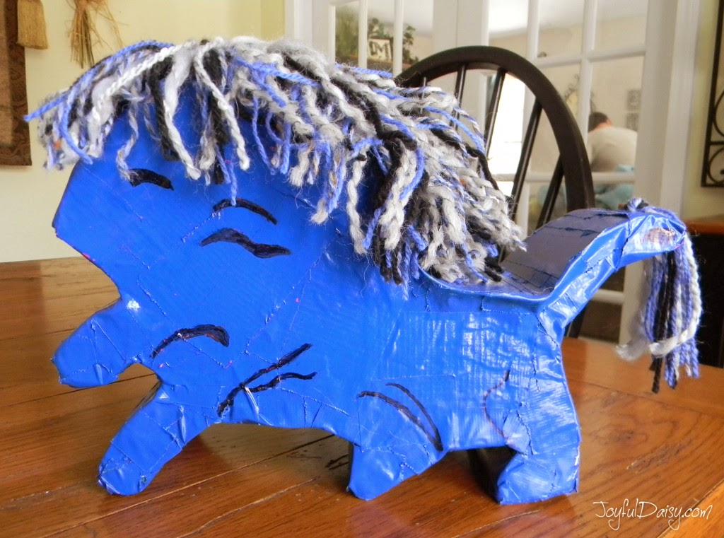 http://joyfuldaisy.com/how-to-make-a-detroit-lions-bank-or-keepsake-box/