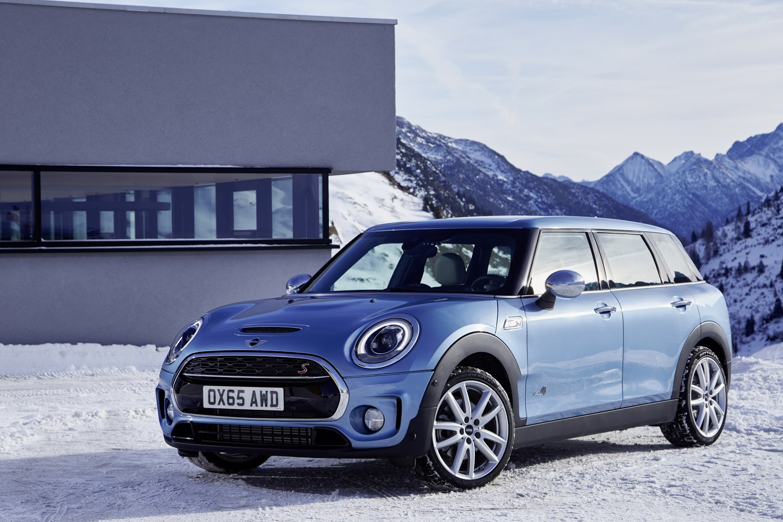 new mini clubman gets on all4s 89 pics carscoops. Black Bedroom Furniture Sets. Home Design Ideas