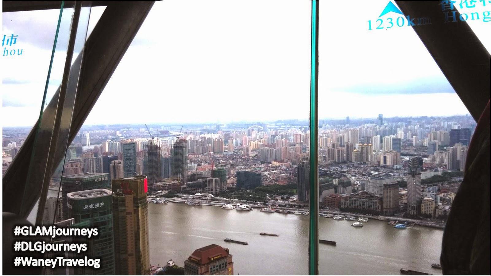 Oriental Pearl Tower Shannghai, Oriental Pearl see through glass floor, Shanghai Aku Datang, Waney Travelog, Glam Journeys, DLG Journeys, cuti-cuti Malaysia, melancong percuma, pakej pelancongan ke Shanghai, Shanghai holiday package, Waney Zainuddin, Huangpu River