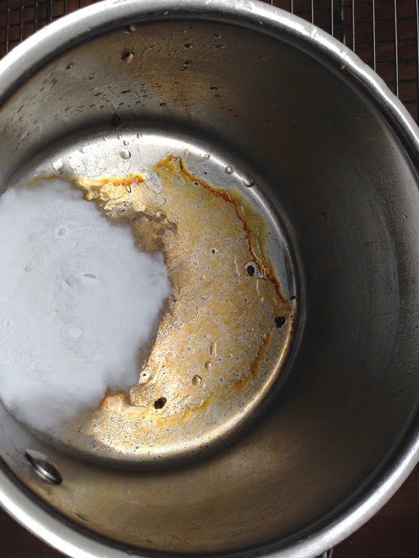 how to clean oil stains on pots