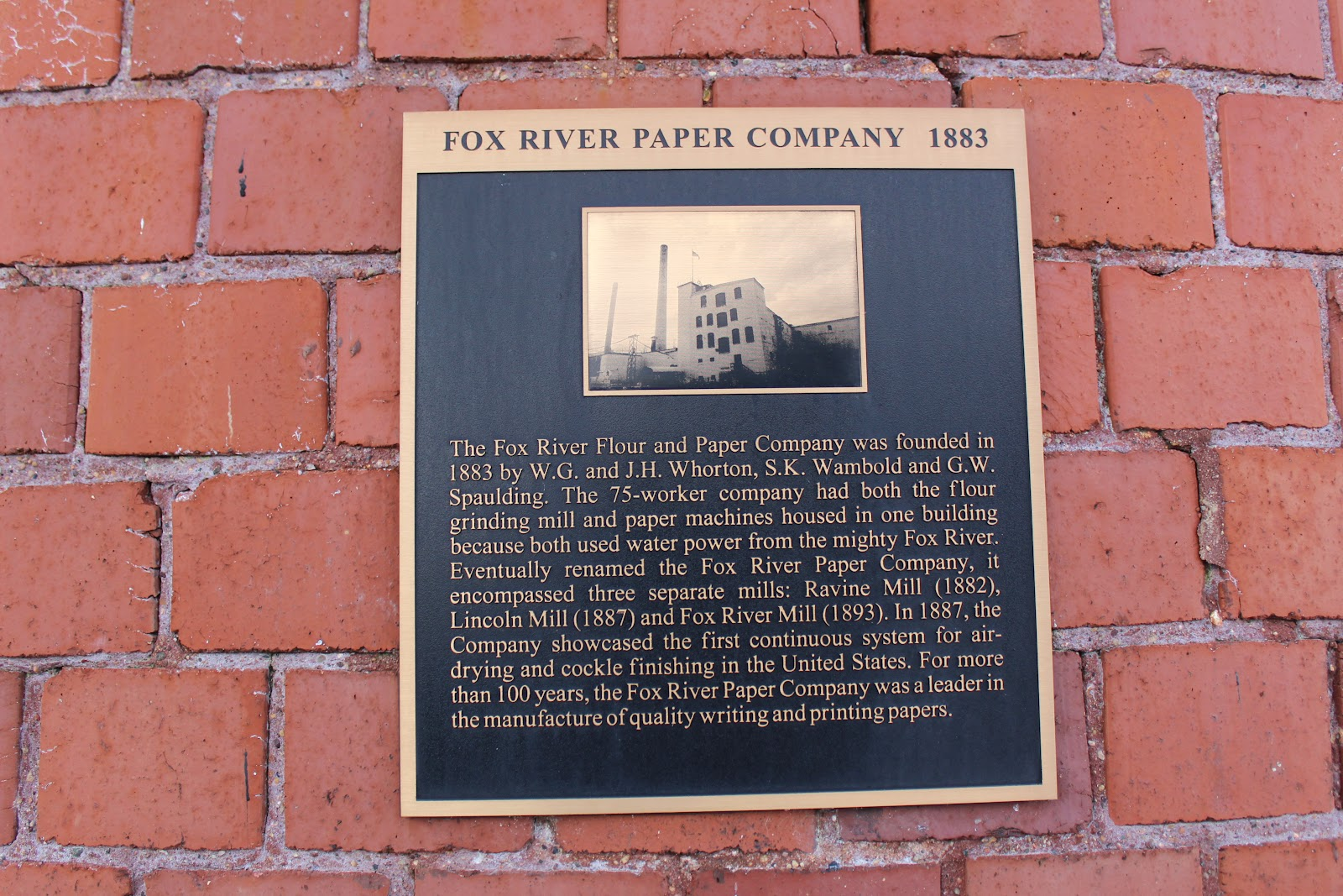 fox river paper Site 11: paper discovery center 425 w water st, appleton enjoy guided outside  eagle viewing on january 21 from 7:00 am to 3:00 pm at the paper discovery.