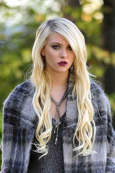 Some Pictures Of Taylor Momsen Different Hairstyles