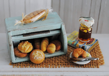 Mini Bread Box