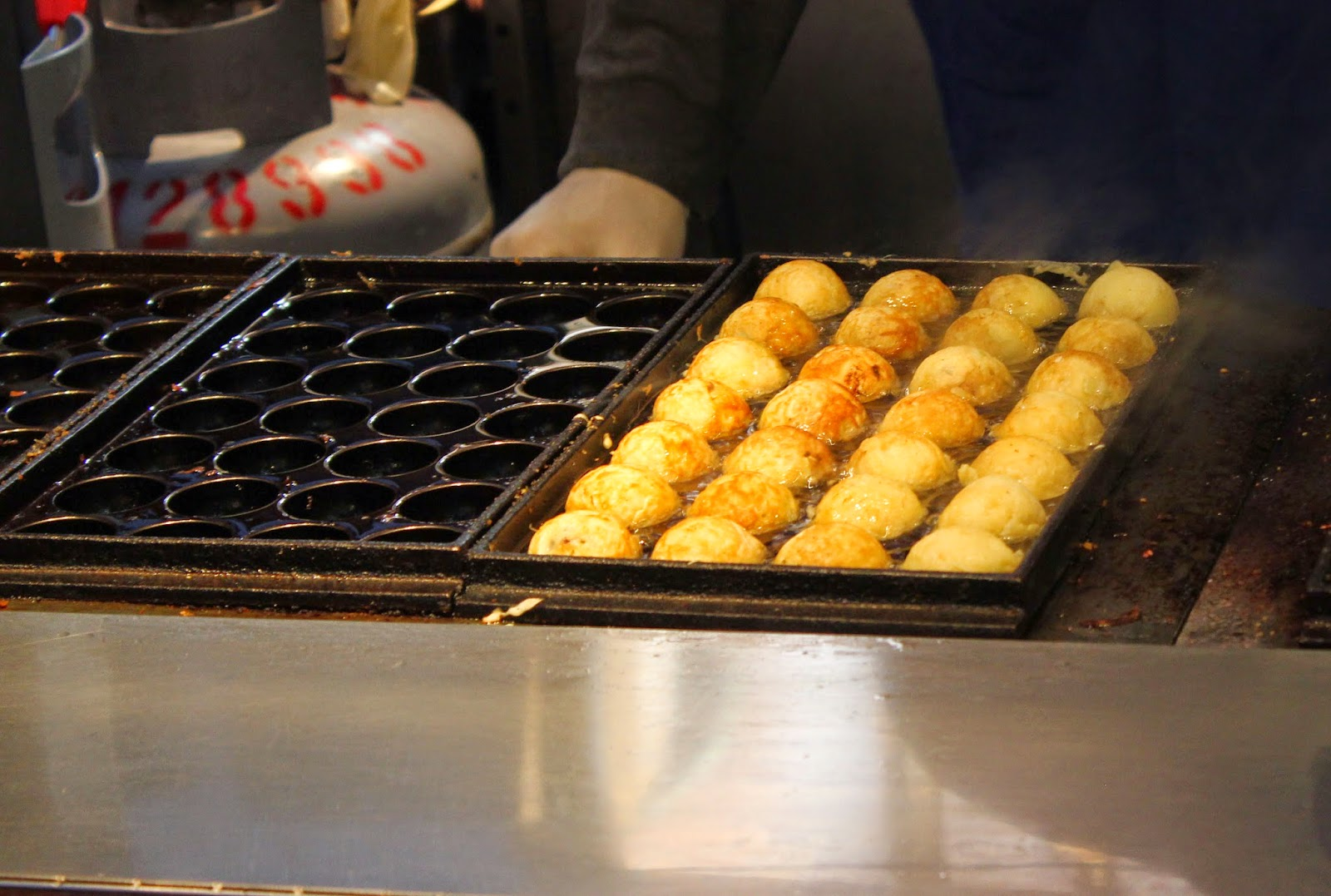 Shilin nightmarket takoyaki food