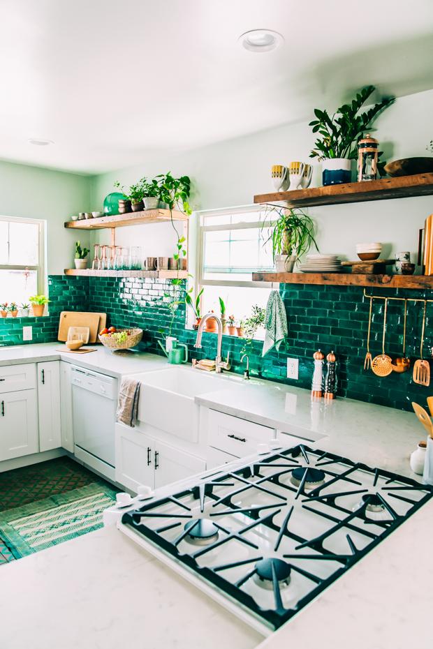 die wohngalerie vergr nte k che die andere idee mit dem wohnen im gr nen. Black Bedroom Furniture Sets. Home Design Ideas