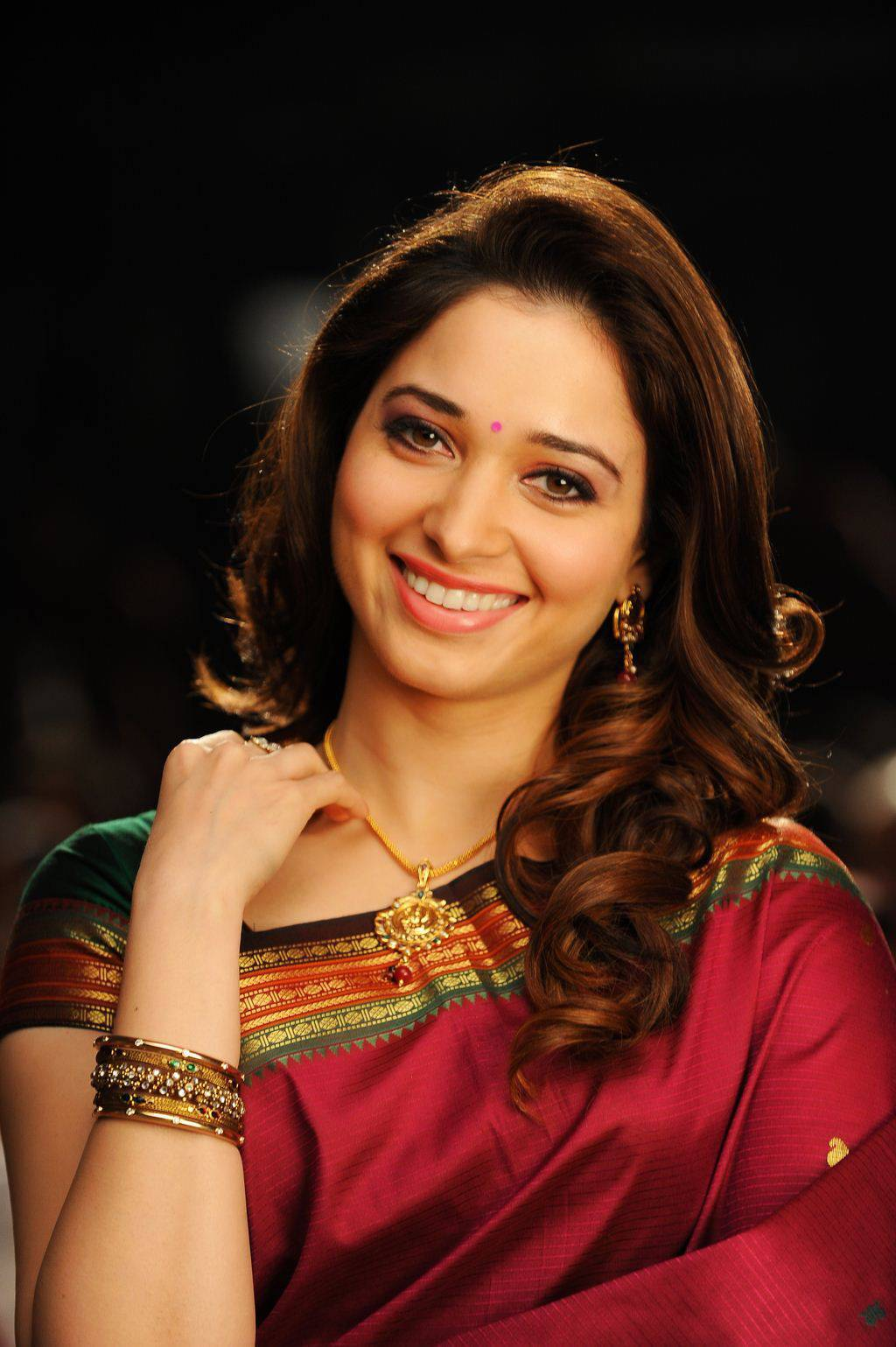 Tamanna Latest Stills From Vasuvum Saravananum Onna Padichavanga Tamil Movie
