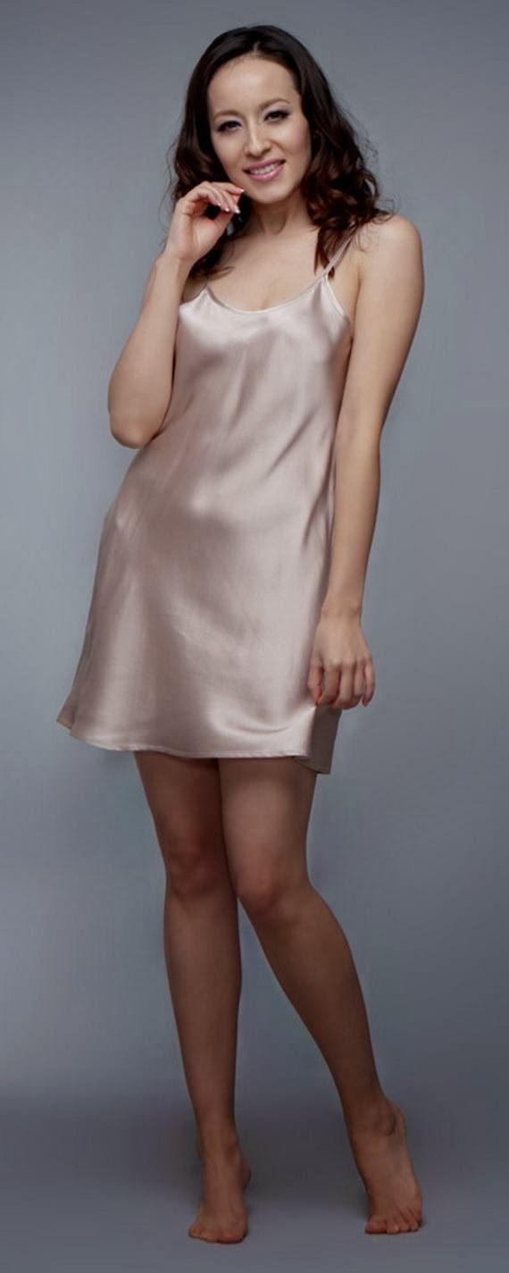 Silk+Short+Night+Wear+Nighty+Dress+For+Girls+Fashion+In+Bed009