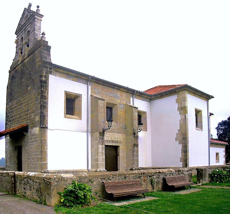 Ermita de Nuestra Señora del Rosario en Mompia