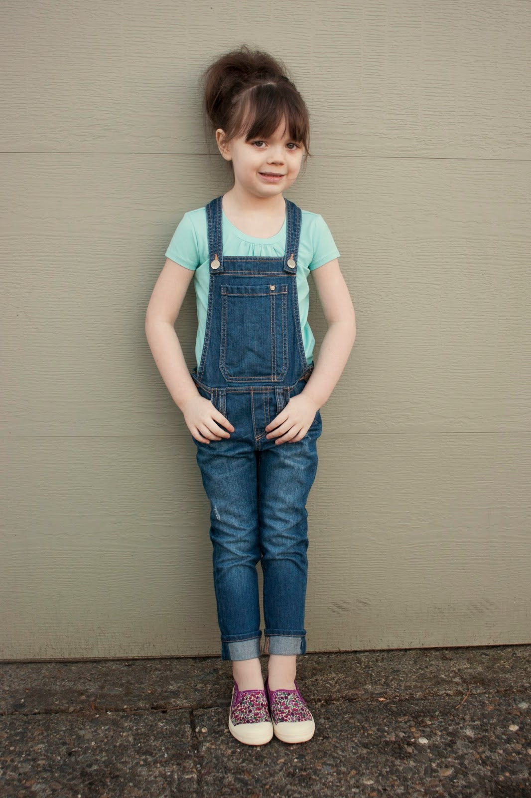 Shop baby girl best overalls at failvideo.ml Shop OshKosh B'gosh, the most trusted name in kids and baby clothes, plus our world famous overalls.