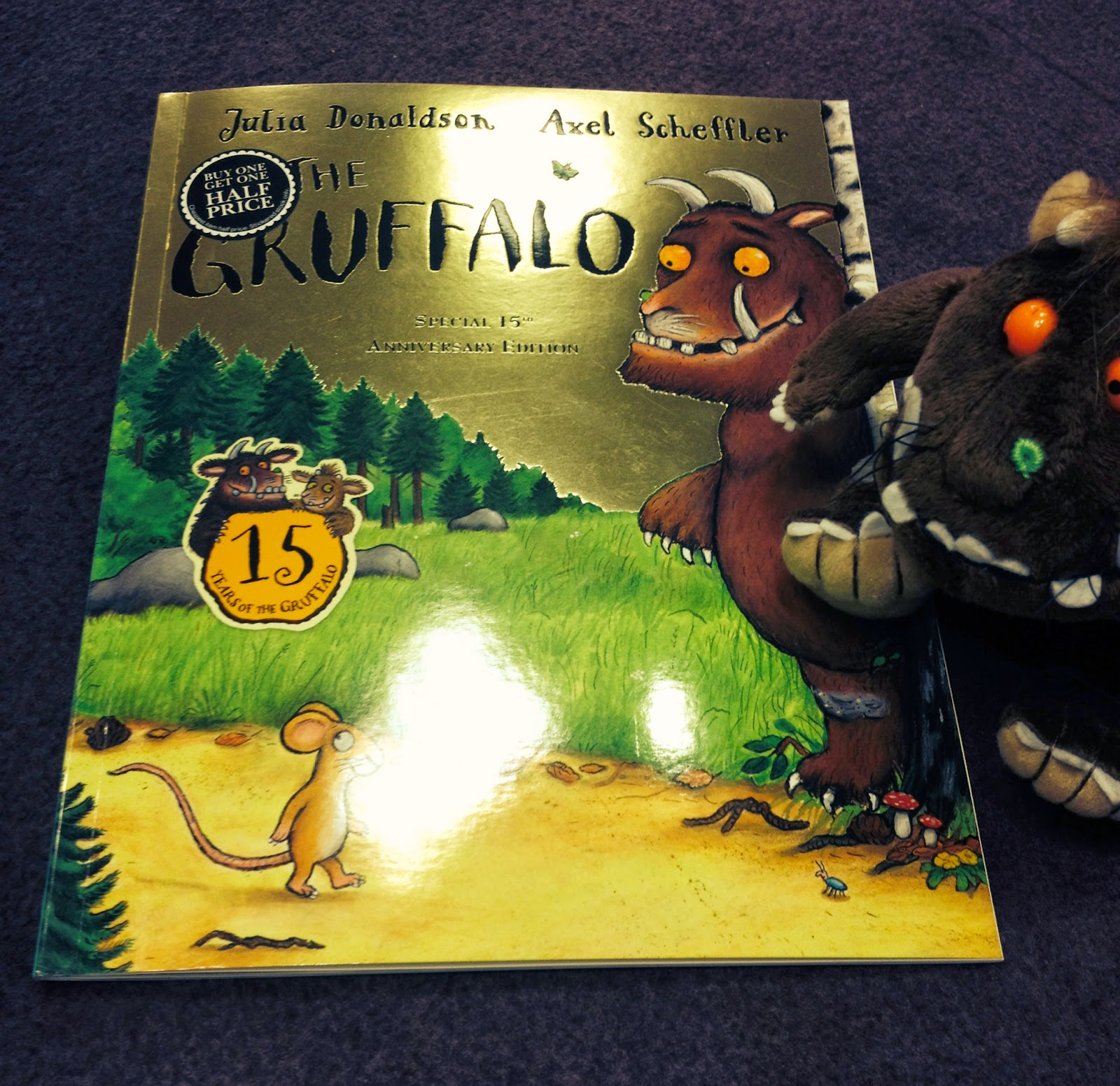 Build a classic library (The Gruffalo) | sunday ight book club | julia Donaldson | amazon | kids books | classic library | baby books | bedtime stories | mamsVIb | gruffly | stories | classic books