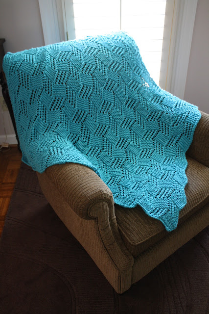 Knitted Afghan Patterns With Big Needles : snapdragon crafts: big needle knit afghans: lace block baby blanket