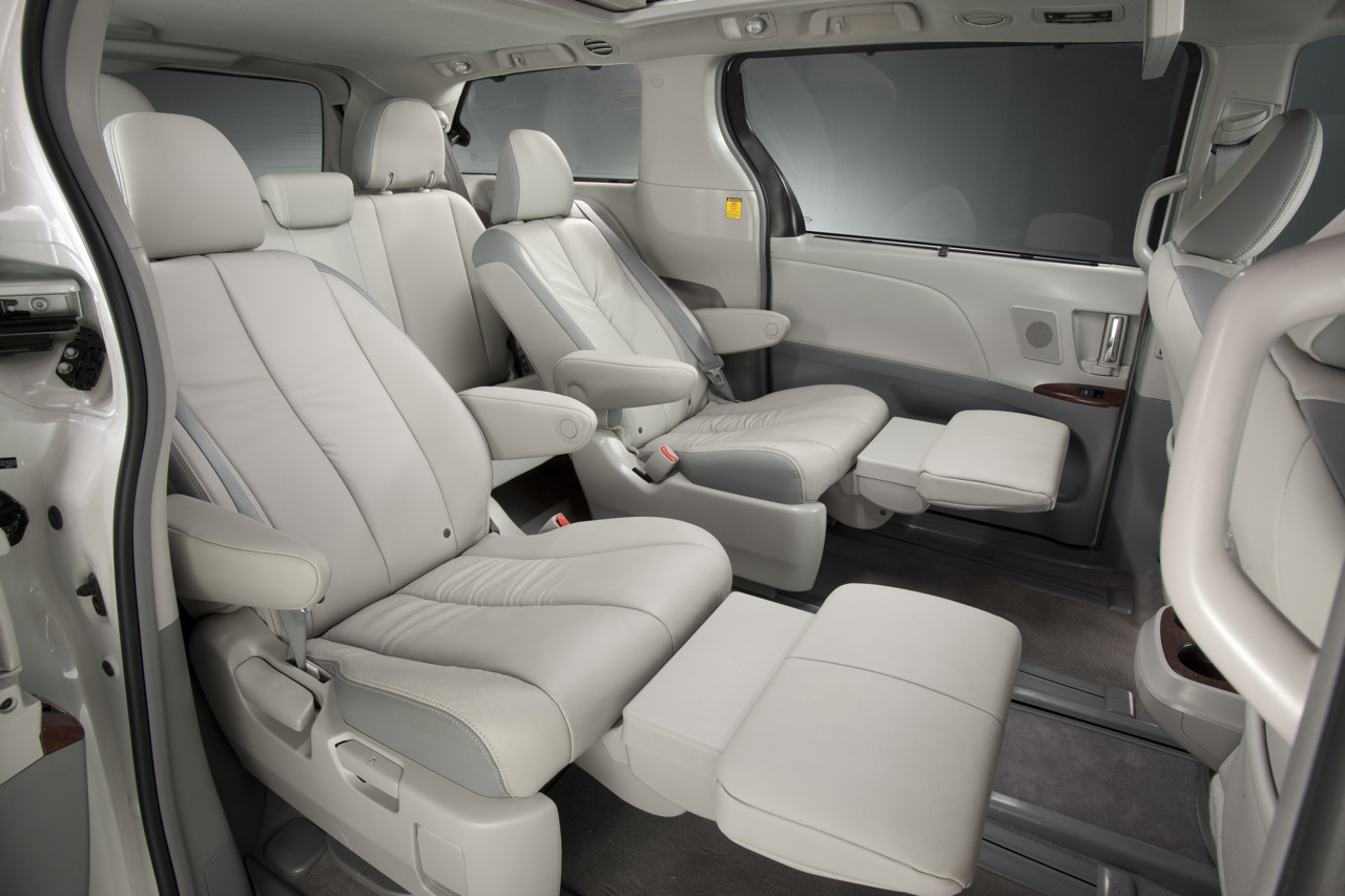 TOYOTA SIENNA 2011 SPECIFICATION AND PRICES