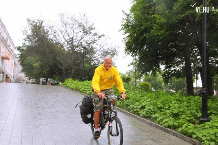 Путешественник Януш Ривер во Владивостоке