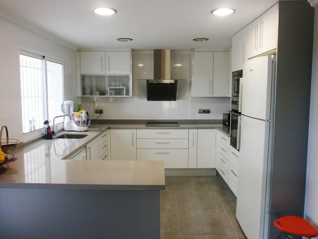 La reforma de la cocina un proyecto que debe ser personal cocinas con estilo - Cocinas con peninsula fotos ...
