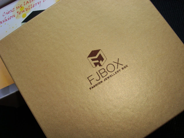 FJ BOX Fashion Jewellery Box Sierpień 2013 - pierwsze pudełko z bizuterią na naszym rynku!